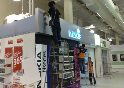 maxis sign (7)